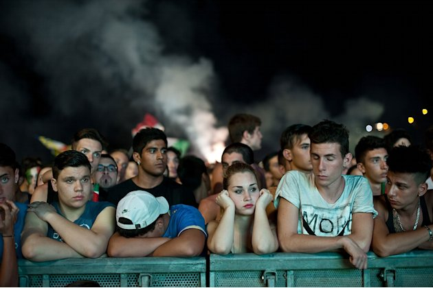 Italy Fans Watch The UEFA …