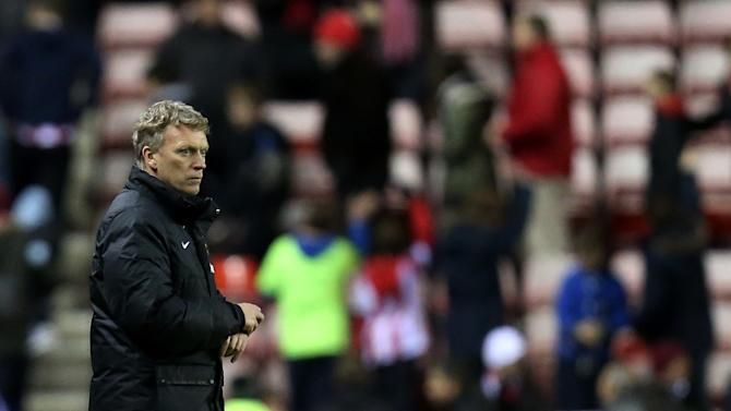 Man U coach David Moyes cited for comments on refs
