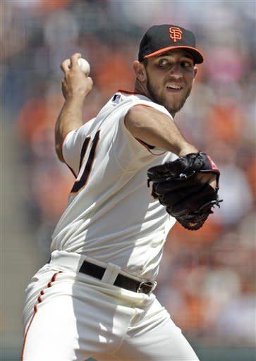 Bumgarner, Sandoval lead Giants past Padres 4-1