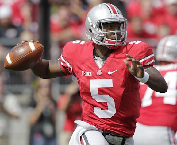 Ohio State&#39;s Braxton Miller drops back to pass against California during the first quarter of an NCAA college football game Saturday, Sept. 15, 2012, in Columbus, Ohio. (AP Photo/Jay LaPrete)
