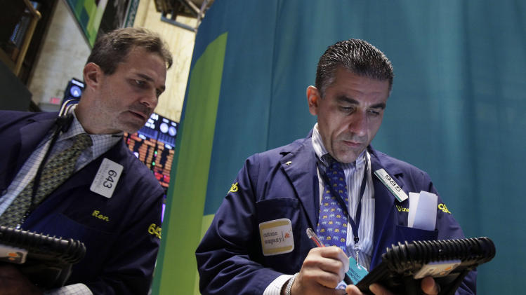 Stocks higher after retail sales improve