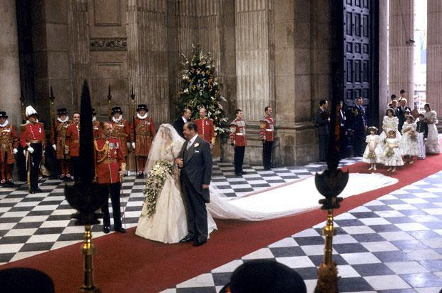 Princess-Diana-Wedding-06-100311.jpg-39-363