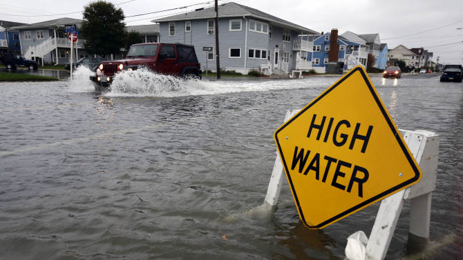 Sandy and storm surge pose 'worst case scenario'