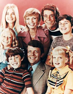 "Susan Olsen, The Brady Bunch's Cindy Brady, Writes Moving Tribute to Gay TV Dad Robert Reed: ""He Was a Family Man"""