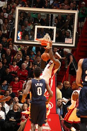 James scores 32, Heat run past Pelicans 107-88
