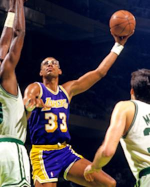 Los Angeles Lakers Correctly Place Kareem Abdul-Jabbar Statue Fourth Among Team Legends