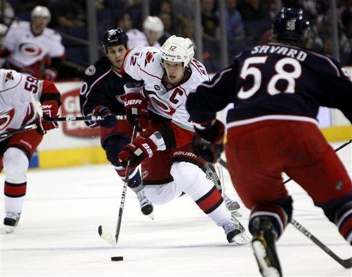 Umberger has 3 goals, Blue Jackets beat 'Canes
