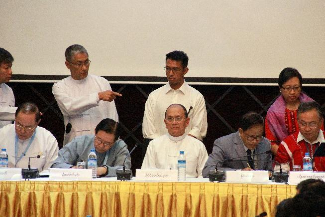 Myanmar government, rebel groups sign draft cease-fire deal