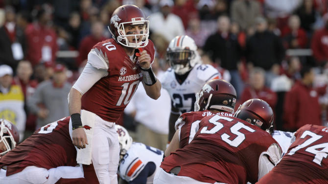 Bielema ready for difficult opening test at Auburn