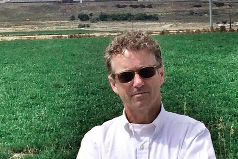 Rand Paul poses in front of NSA data center that he pledges to shut down