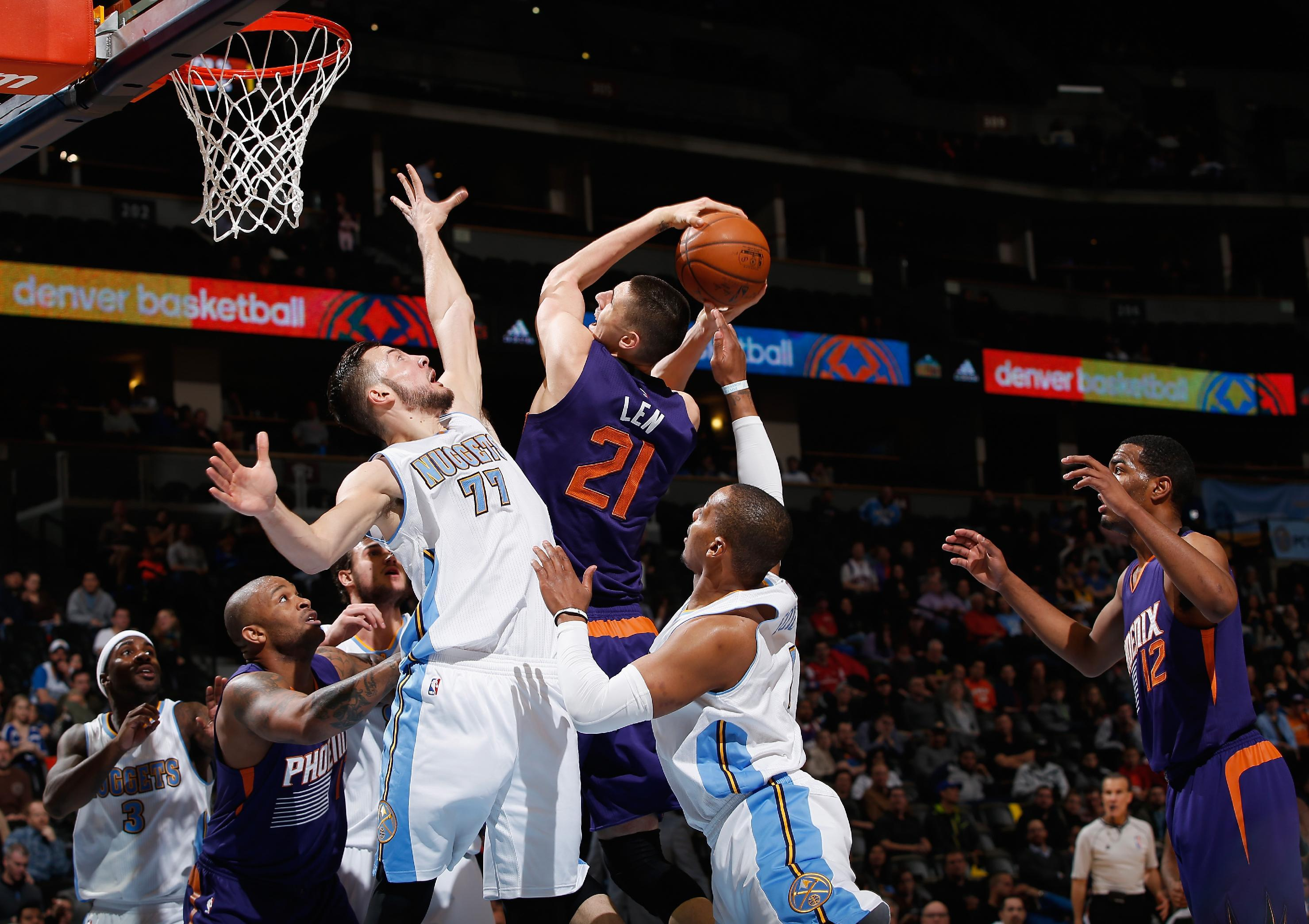 Suns end 5-game skid with 110-96 win over Nuggets