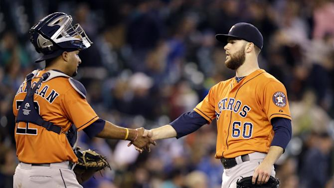 Keuchel throws 4-hitter as Astros beat Mariners