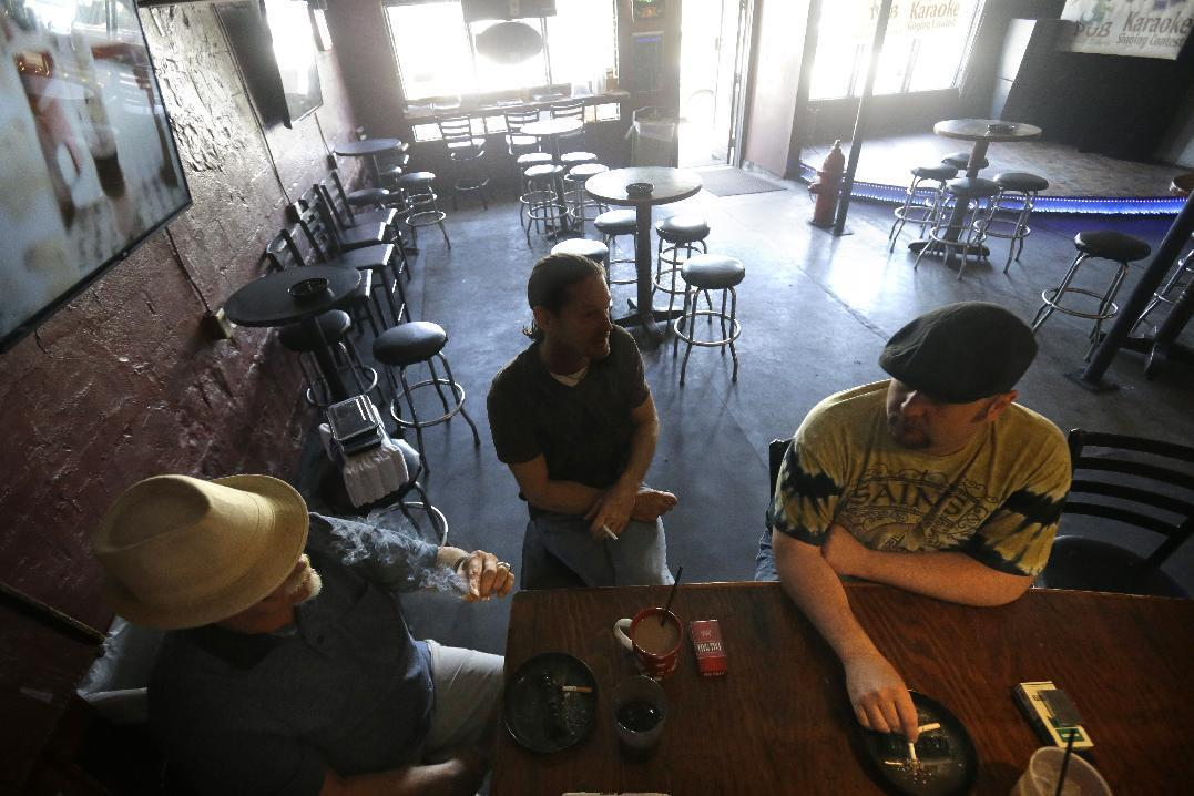 New Orleans going smoke-free in bars, other public places