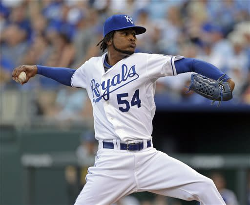 Santana shuts down Tigers in Royals' 1-0 victory