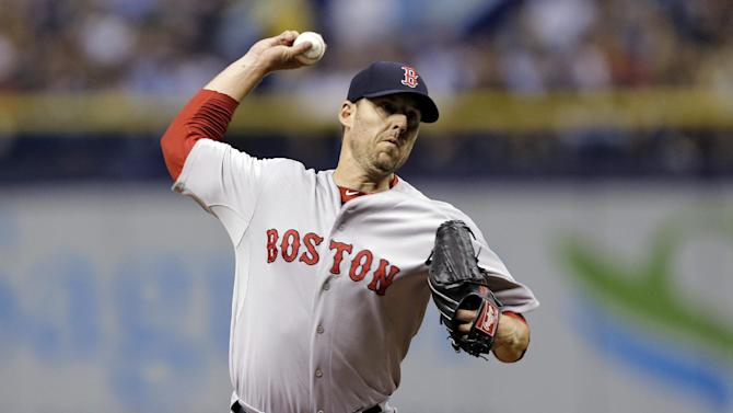 Lackey goes from Red Sox to Cards for Kelly, Craig