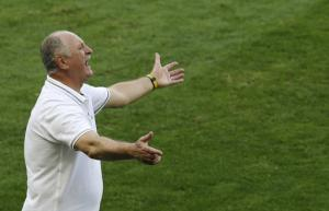 Scolari 'like a dad' to players in Brazil team
