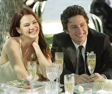 Jenna ( Jacinda Barrett ) and Michael ( Zach Braff ) in Dreamworks' The Last Kiss