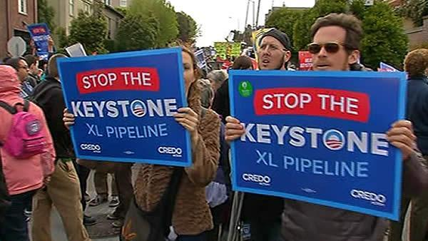 Protesters urge president to reject Keystone pipeline