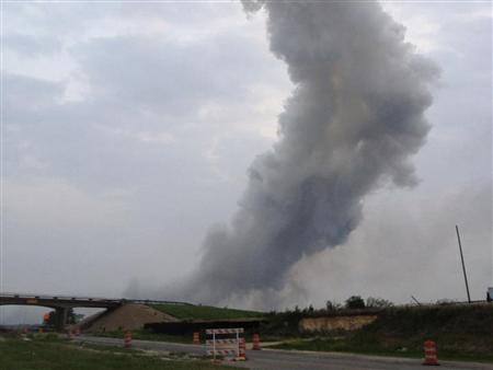 A column of smoke rises after an explosion at a fertilizer plant north of Waco, Texas April 17, 2013. Police are reporting a large explosion at a fertilizer plant in the town of West, Texas. Local police scanner traffic reports multiple structures on fire with many people trapped, according to news reports. REUTERS/Joe Berti/Twitter