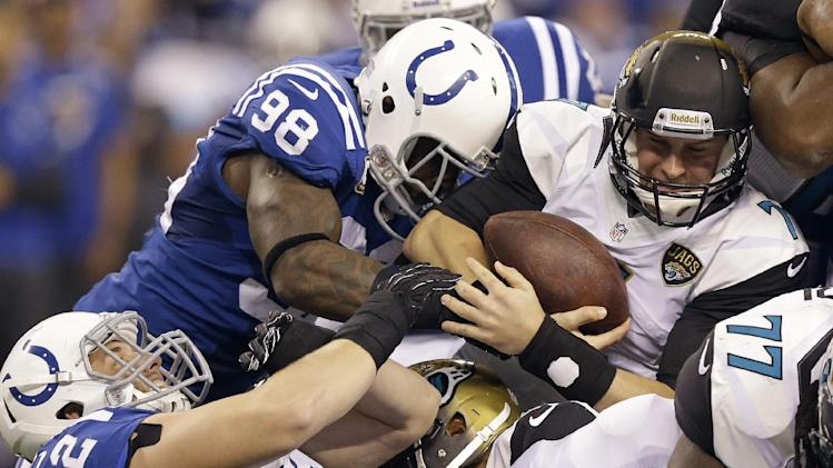 NFL honors Colts' Mathis with Deacon Jones Award