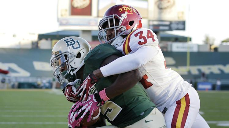 Iowa State shuffles QBs in 71-7 loss to Baylor