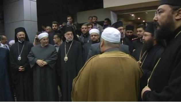 Syria rebels free kidnapped nuns