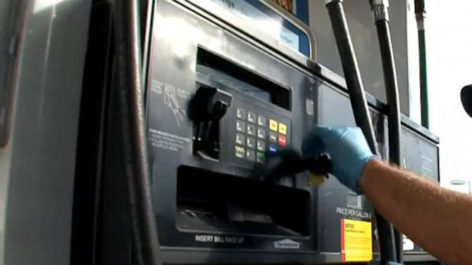 Credit Card Thieves Target Gas Pumps, ATMs, Restaurants With 'Skimmers'