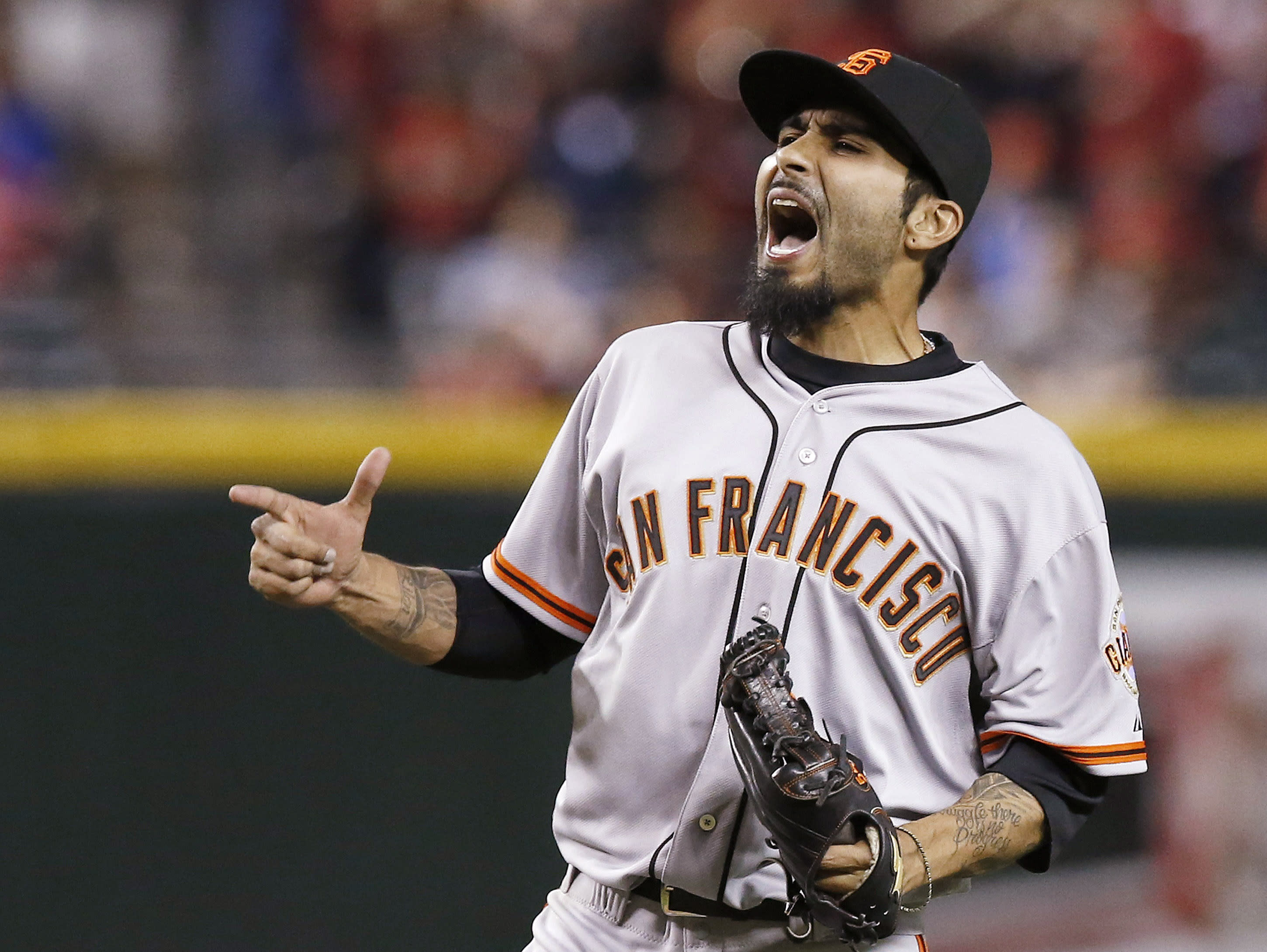 Sergio Romo finalizes $15M, 2-year deal with Giants