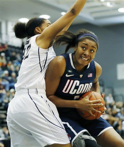 No. 3 UConn women beat Providence 105-49