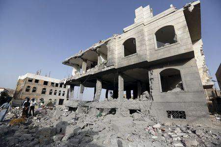Fighting escalates across Yemen, air strikes on capital Sanaa