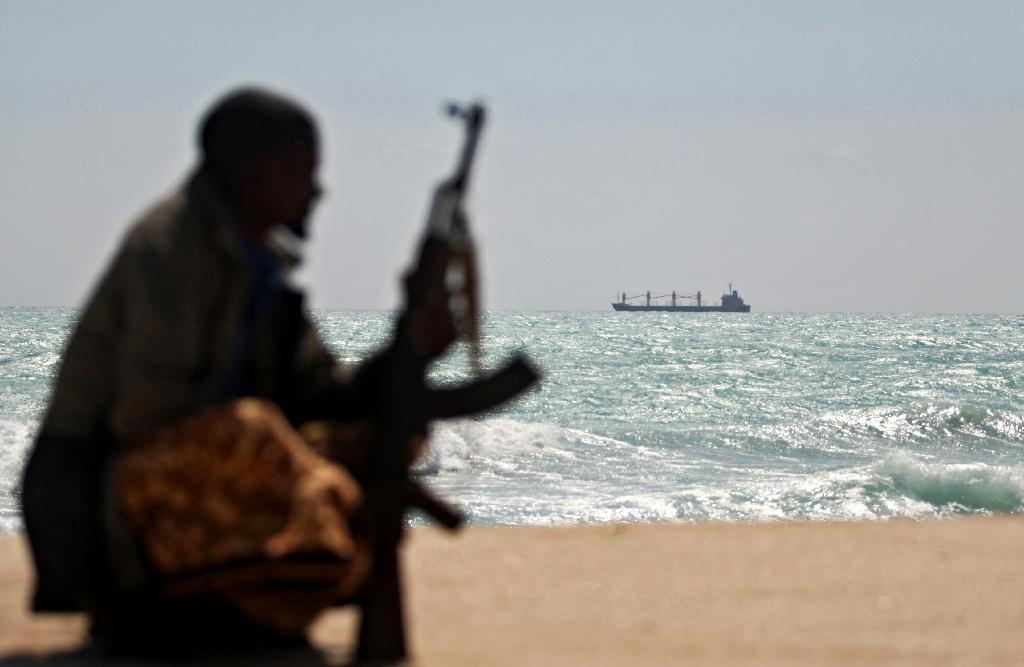 Somali pirates return, seize Iranian fishing vessel