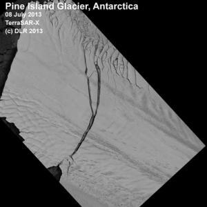 Giant Iceberg Breaks Off Antarctic Glacier