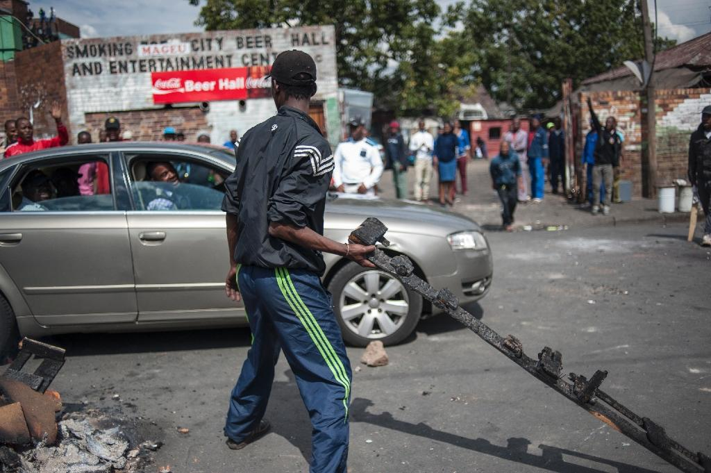 30 detained as xenophobic attacks simmer in S. Africa