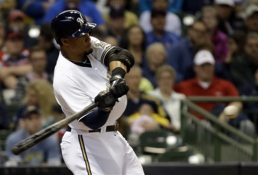 Mauer gets HR after replay, Twins top Brewers