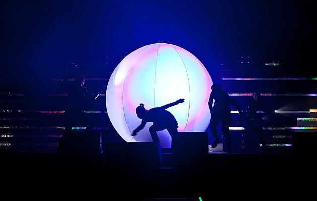 Kim turns up in an orb as part of the 'alien' theme. (Photo courtesy of Running Into the Sun)