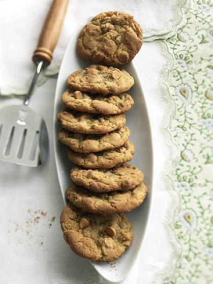 Get that crazy delicious mix of salty and sweet with these butterscotch cookies made with roasted cashews.