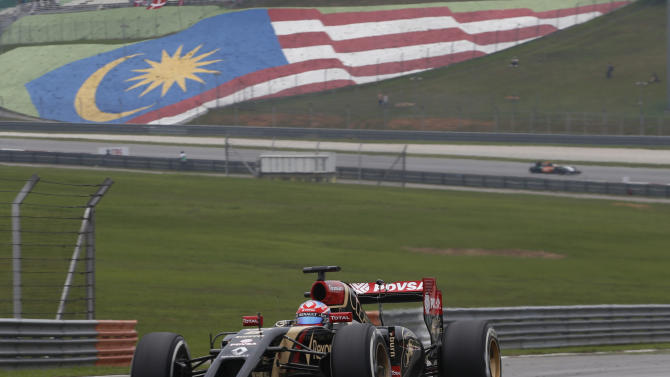 Lotus re-emerges as F1 points contender