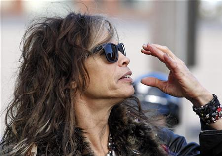 Aerosmith puts on Boston street concert on Memory Lane