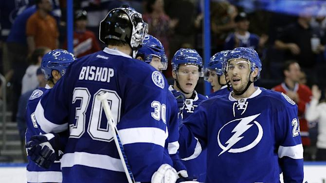 Johnson breaks tie, Lightning top Canadiens 3-1