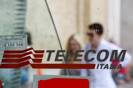 Telecom Italia agrees broadband test deal with Swisscom unit