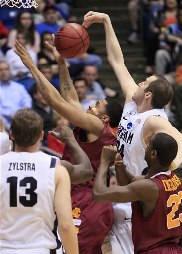 BYU overcomes 25-point deficit to beat Iona 78-72