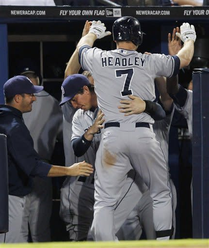 Stults keep Padres rolling in 4-1 win over Braves