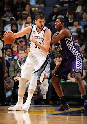 Gasol, Conley lead Grizzlies past Kings, 108-101