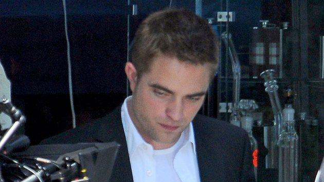 Robert Pattinson films 'Maps to the Stars' on August 20, 2013 in LA -- Getty Images