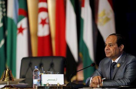Arab summit agrees on unified military force for crises
