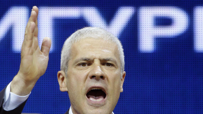 Pro-Western former Serbian President and presidential candidate Boris Tadic speaks and gestures during a final pre-election rally in Belgrade, Serbia, Thursday, May 17, 2012. The runoff presidential elections in Serbia are scheduled Sunday, May 20. (AP Photo / Darko Vojinovic)
