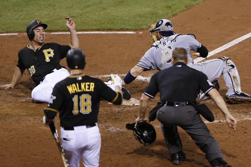 Pirates complete sweep of Padres, 5-2