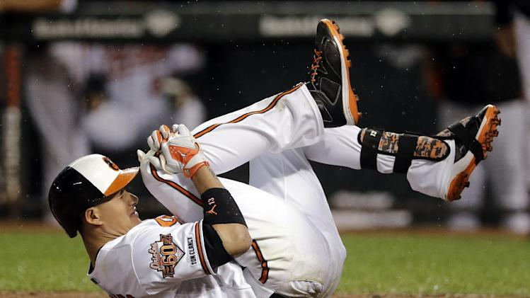 Orioles place Manny Machado on 15-day DL with knee sprain