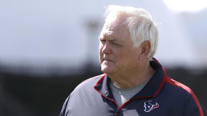 Phillips named Texans interim coach