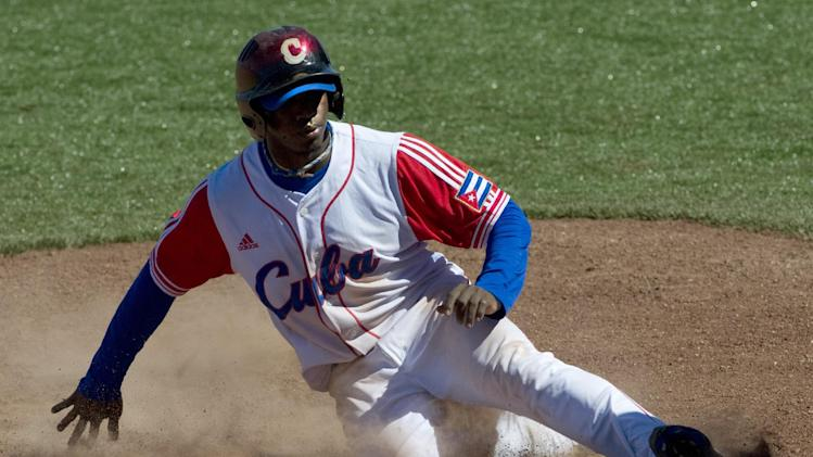 Baseball - Boston set to sign Cuban outfielder: reports